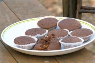 snickers-muffins